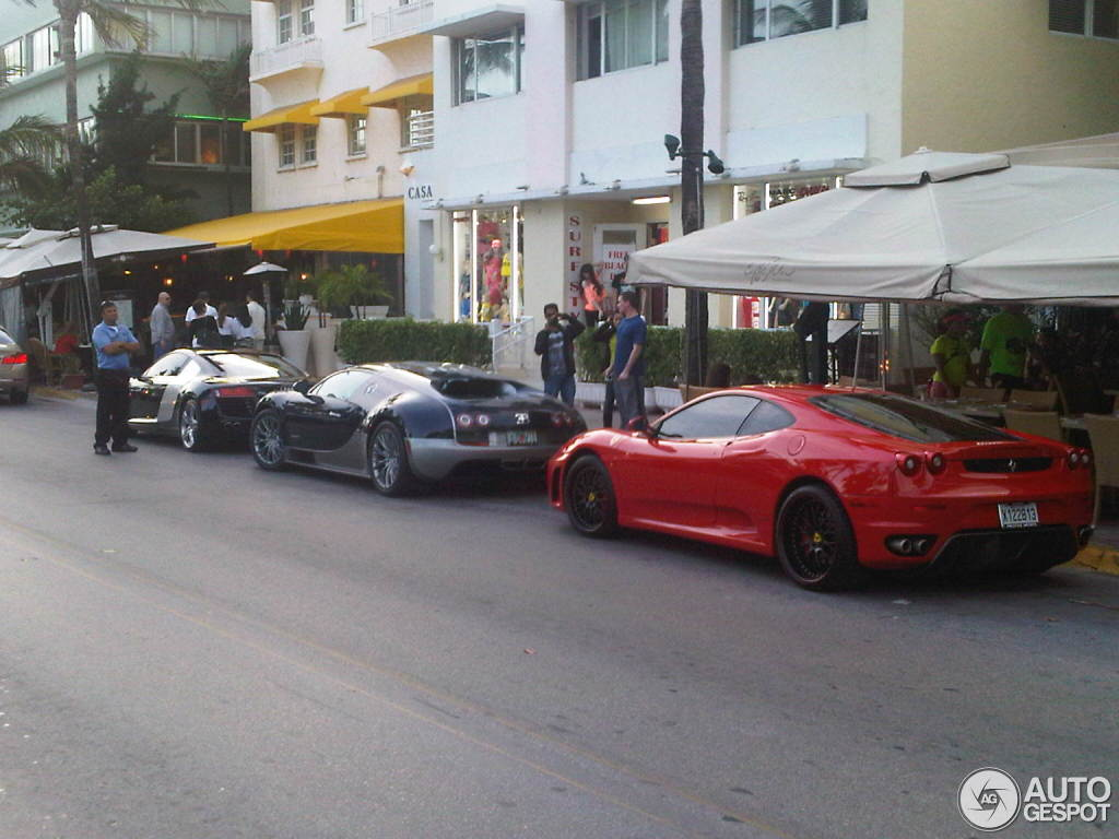 bugatti veyron 16 4 super sport 22 february 2012 autogespot. Black Bedroom Furniture Sets. Home Design Ideas