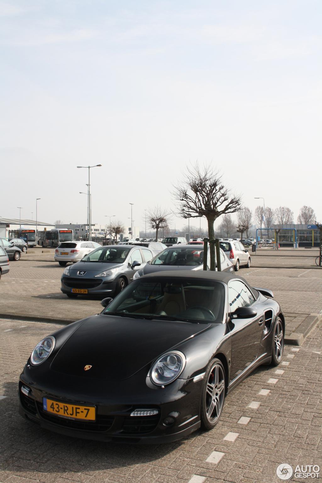 Porsche 997 Turbo Cabriolet MkI 8