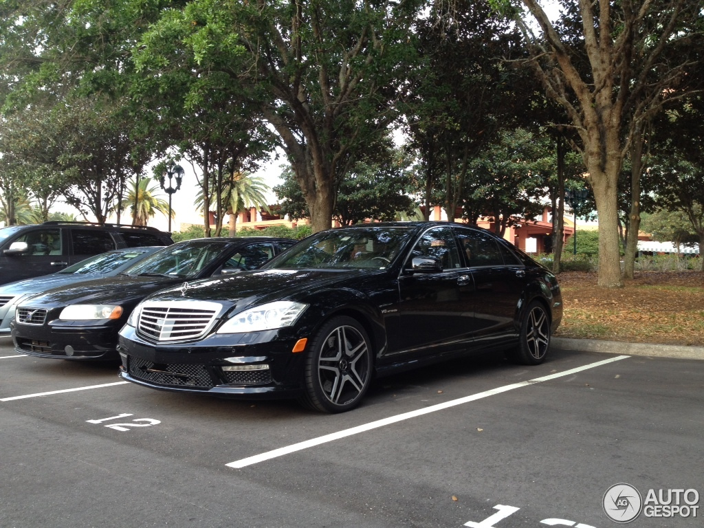 Mercedes benz s 63 amg w221 2011 30 march 2012 autogespot for 2011 mercedes benz s65 amg for sale