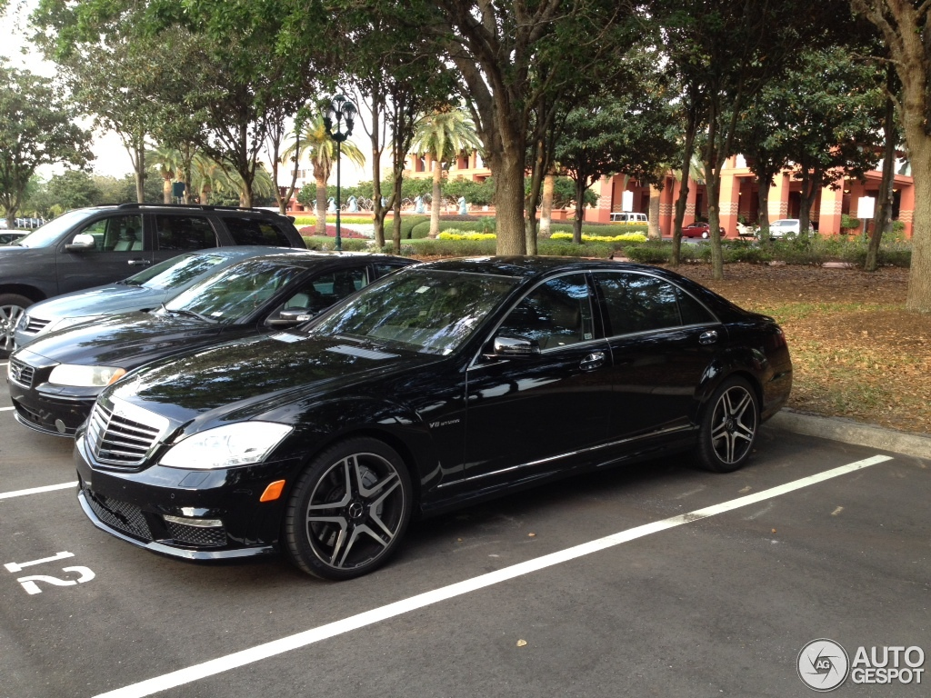 mercedes benz s 63 amg w221 2011 30 march 2012 autogespot. Black Bedroom Furniture Sets. Home Design Ideas