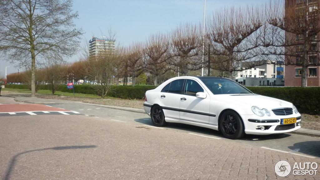 Mercedes-Benz C 55 AMG 2