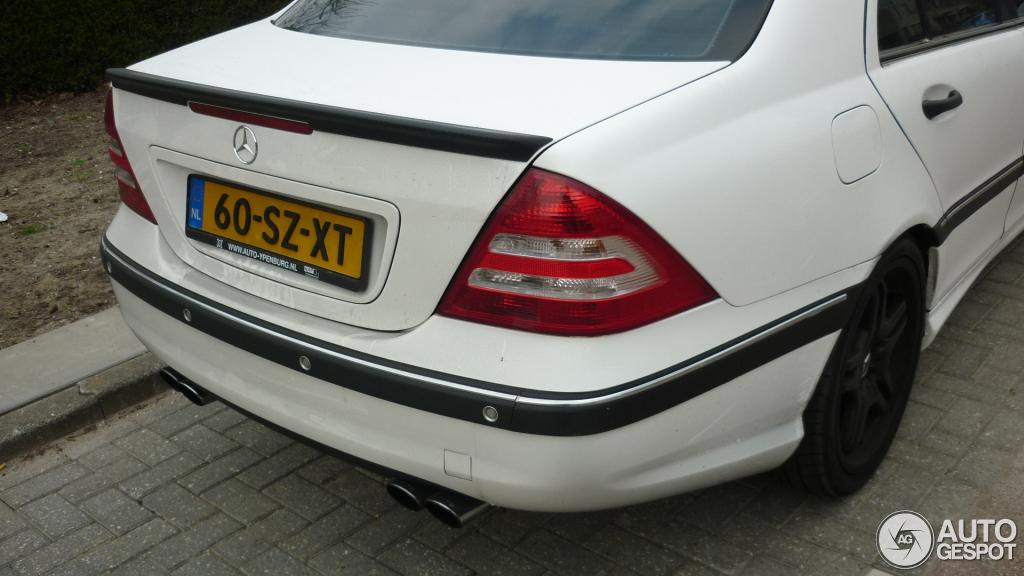 Mercedes-Benz C 55 AMG 9