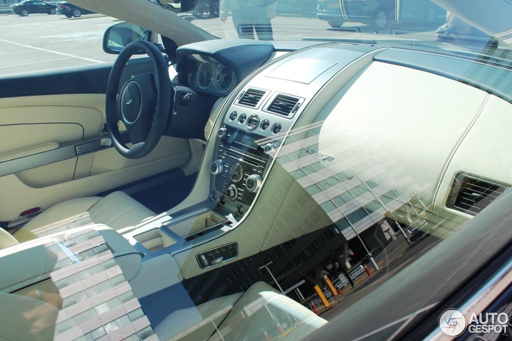 Aston Martin Virage Volante 2011 8