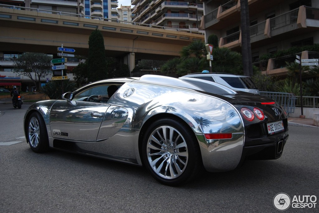 bugatti veyron 16 4 pur sang 17 april 2012 autogespot. Black Bedroom Furniture Sets. Home Design Ideas