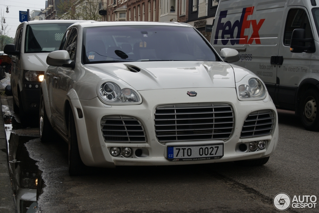 photo of Wilfried Bony Porsche Cayenne - car