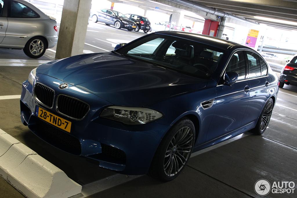 BMW M5 F10 2011 7