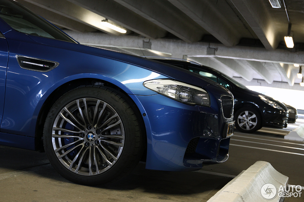 BMW M5 F10 8