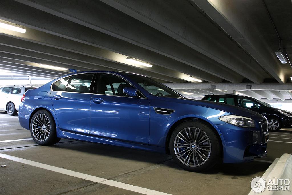 BMW M5 F10 2011 9