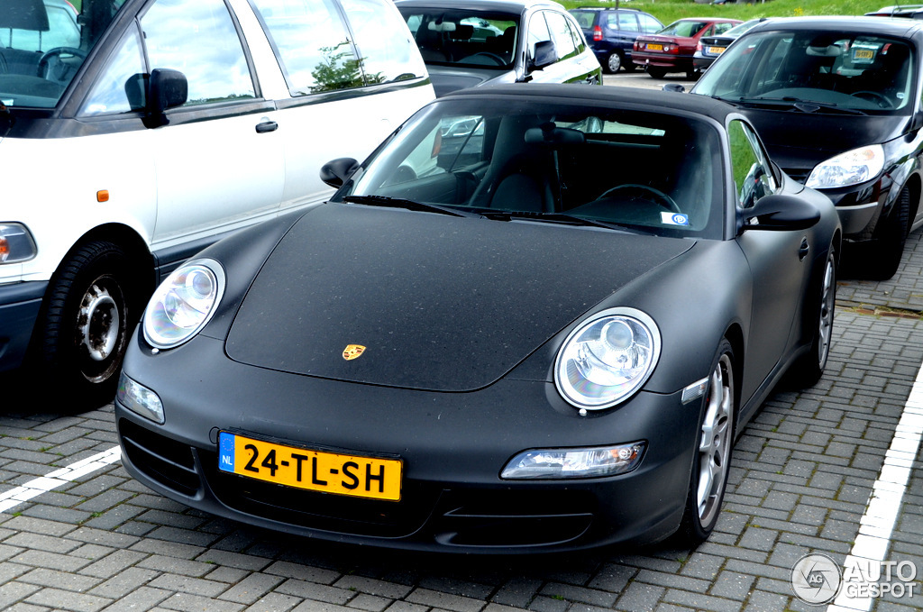 997 car - Color: Black  // Description: delicate
