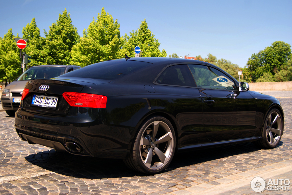 audi rs5 b8 2012 25 may 2012 autogespot. Black Bedroom Furniture Sets. Home Design Ideas