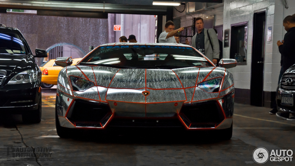 Lamborghini Aventador LP700-4 1