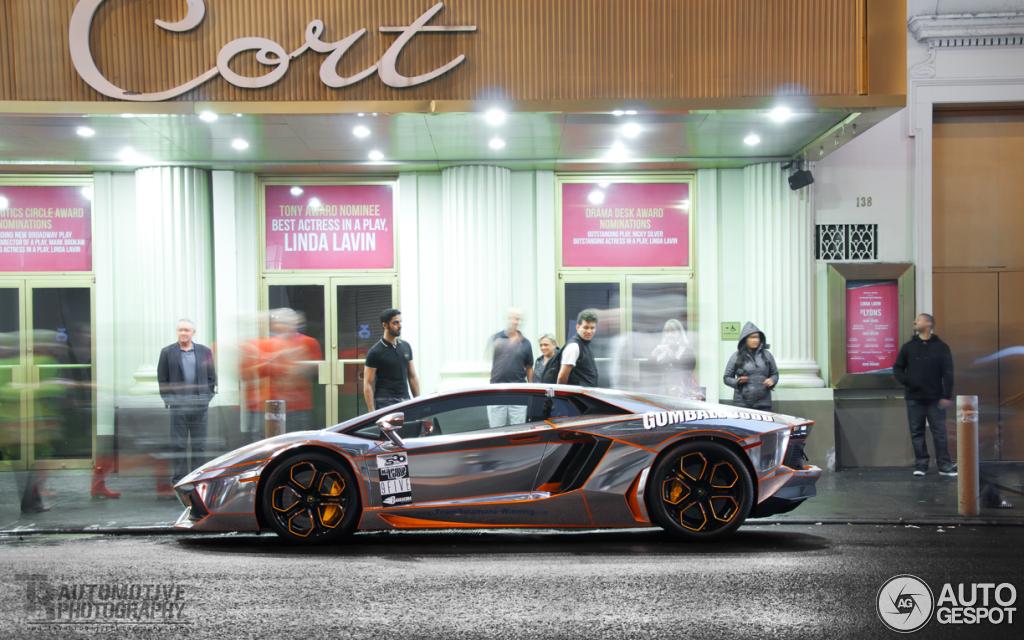 Lamborghini Aventador LP700-4 2