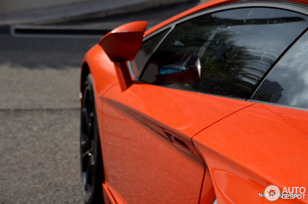 Lamborghini Aventador LP700-4 10