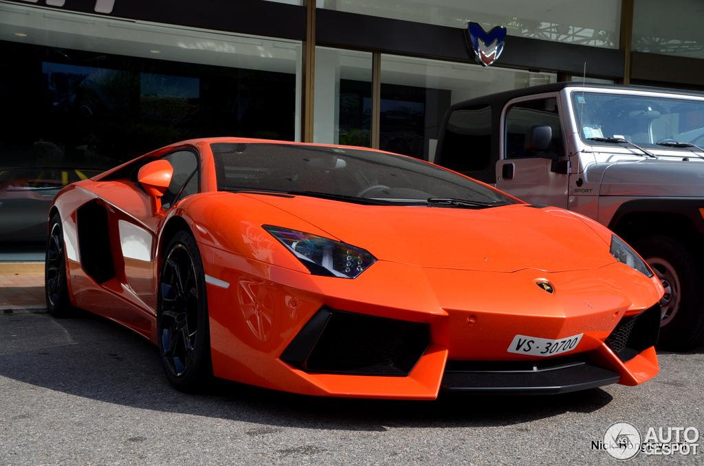 Lamborghini Aventador LP700-4 6