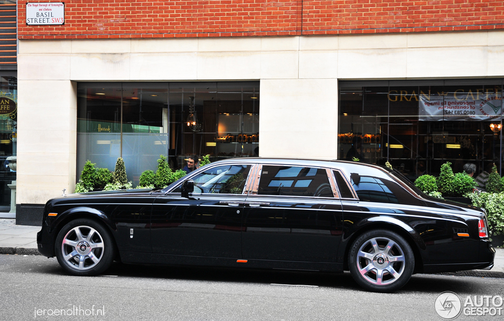 rolls royce phantom ewb 3 july 2012 autogespot. Black Bedroom Furniture Sets. Home Design Ideas