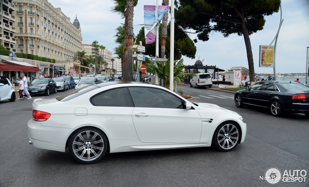 bmw m3 e92 coup 14 juillet 2012 autogespot. Black Bedroom Furniture Sets. Home Design Ideas