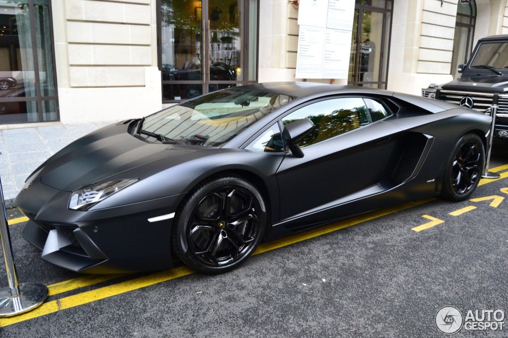 lamborghini aventador lp700 4 17 juillet 2012 autogespot. Black Bedroom Furniture Sets. Home Design Ideas