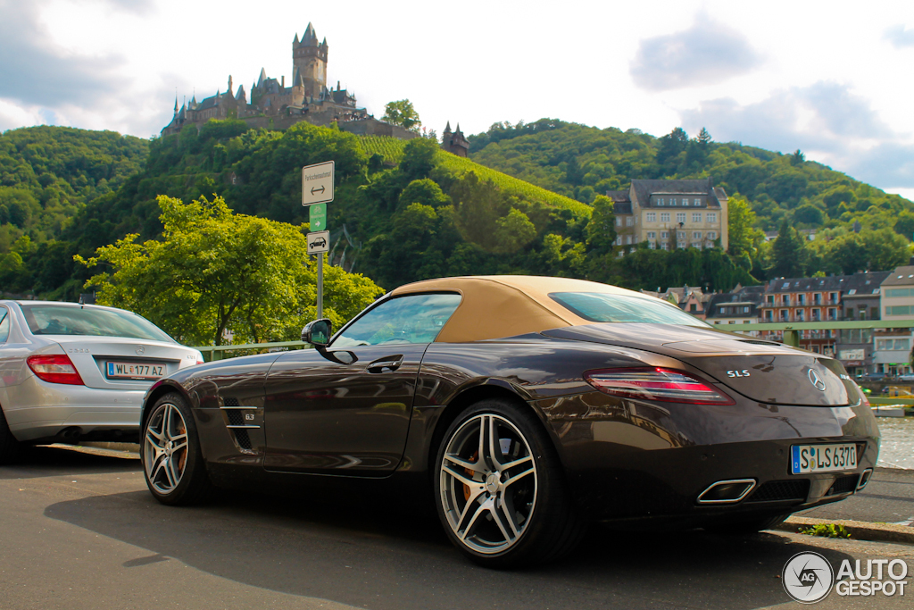 Mercedes-Benz SLS AMG Roadster 1