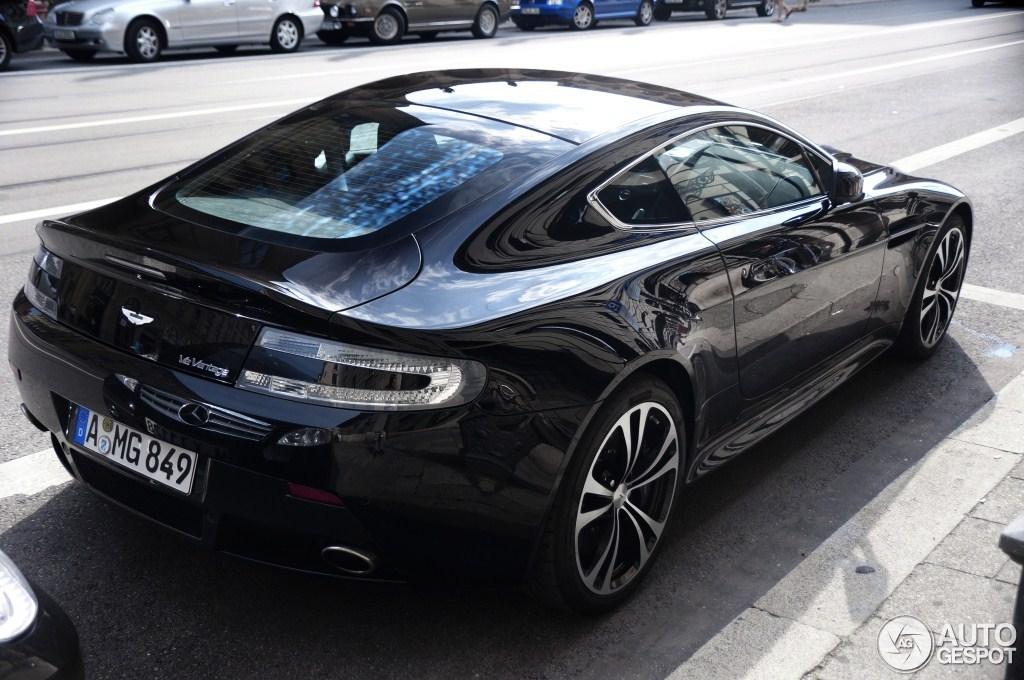 Aston Martin V12 Vantage Carbon Black Edition 7 August