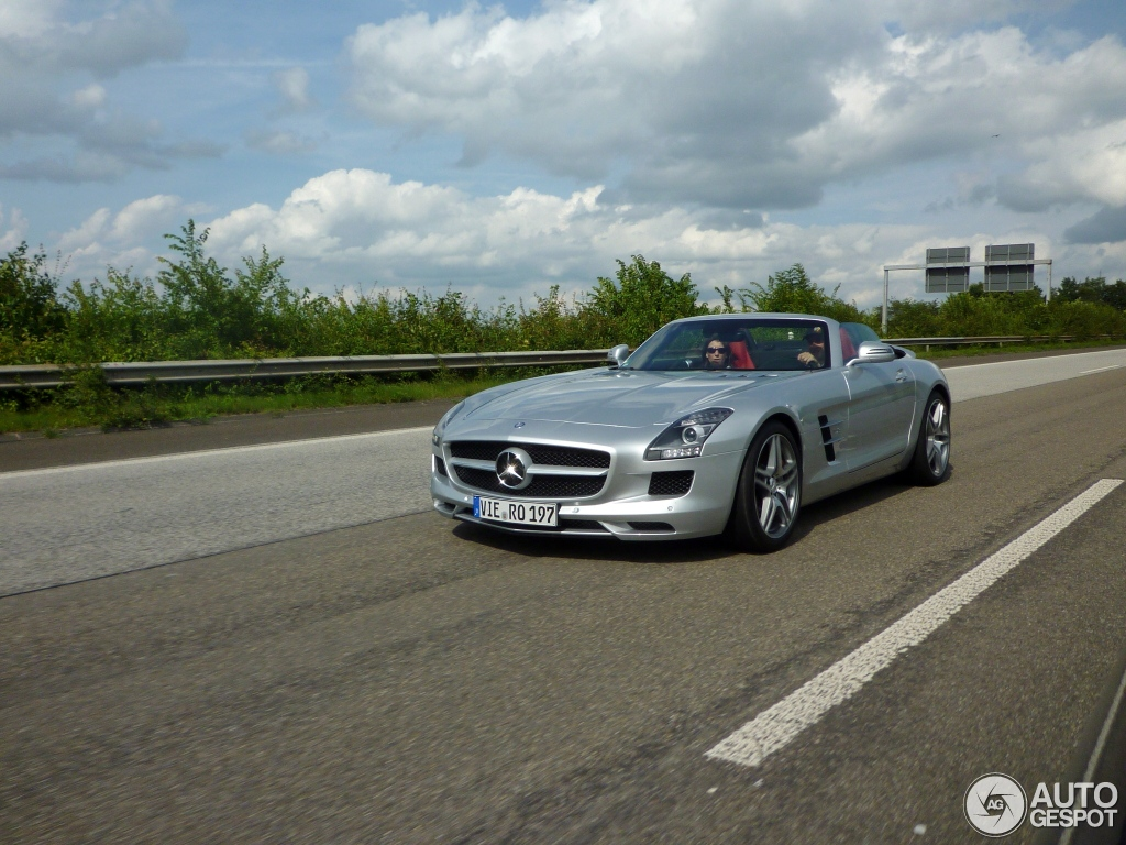Mercedes-Benz SLS AMG Roadster 7