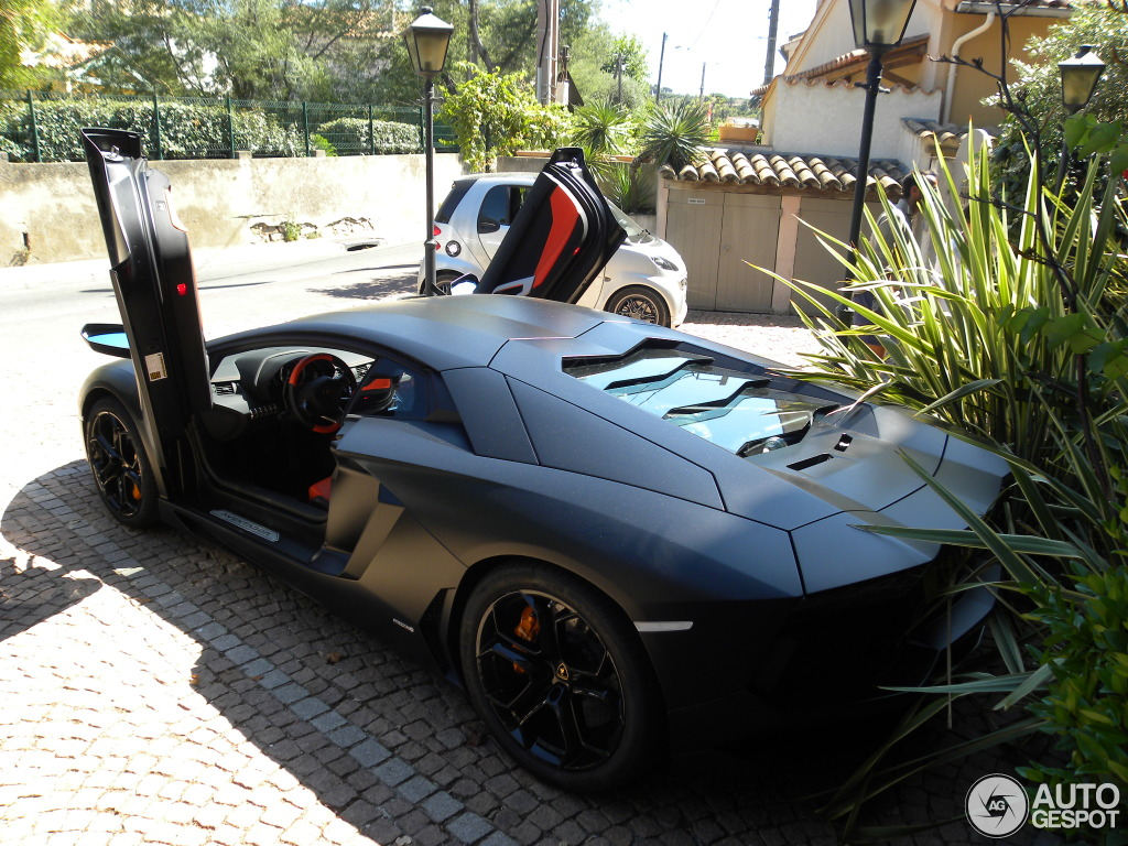 lamborghini aventador lp700 4 13 ao t 2012 autogespot. Black Bedroom Furniture Sets. Home Design Ideas