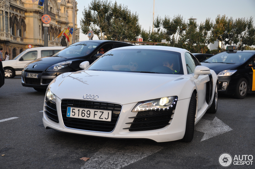 Audi r8 2012 0 to 60 12