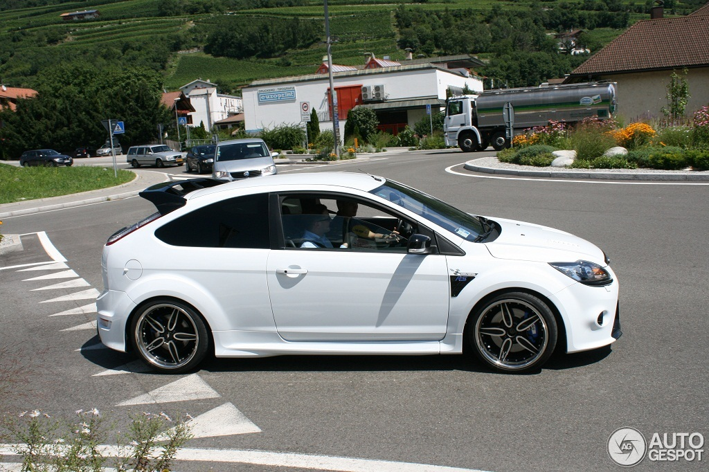 ford focus rs 2009 white edition 13 august 2012 autogespot. Black Bedroom Furniture Sets. Home Design Ideas