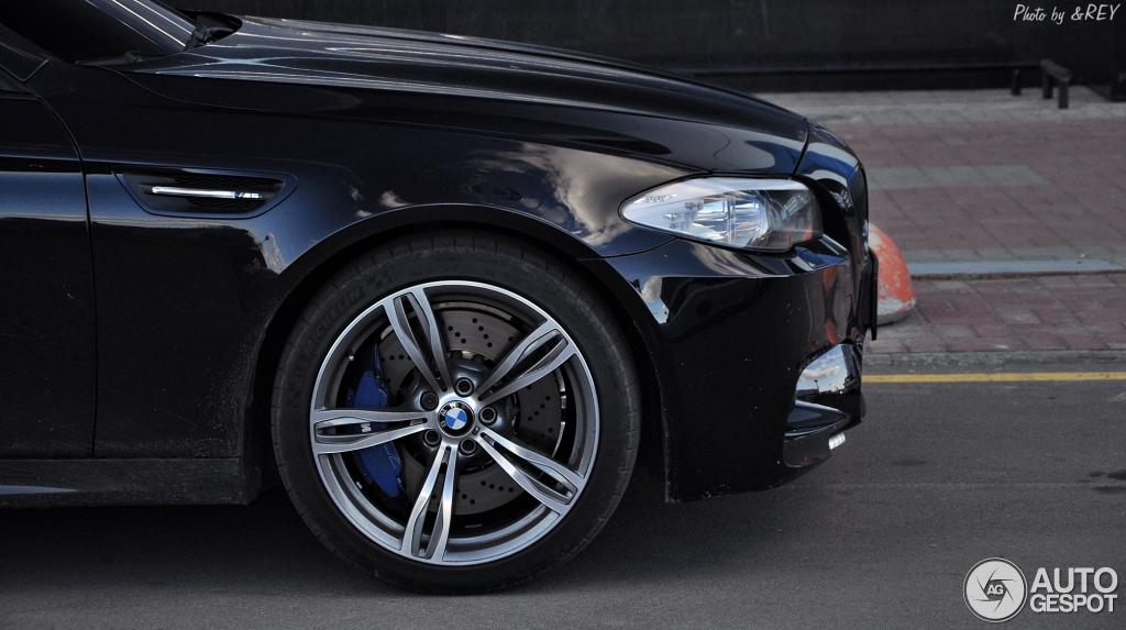 BMW M5 F10 2011 5