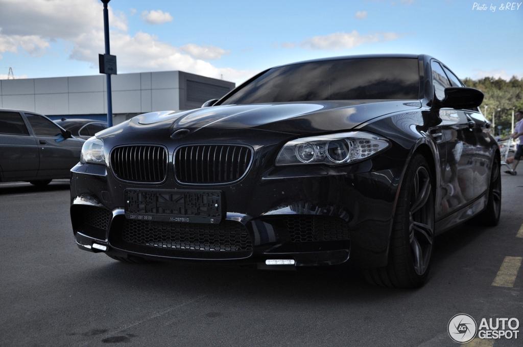 BMW M5 F10 2011 8