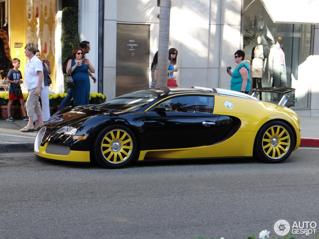 bugatti veyron 16 4 16 august 2012 autogespot. Black Bedroom Furniture Sets. Home Design Ideas