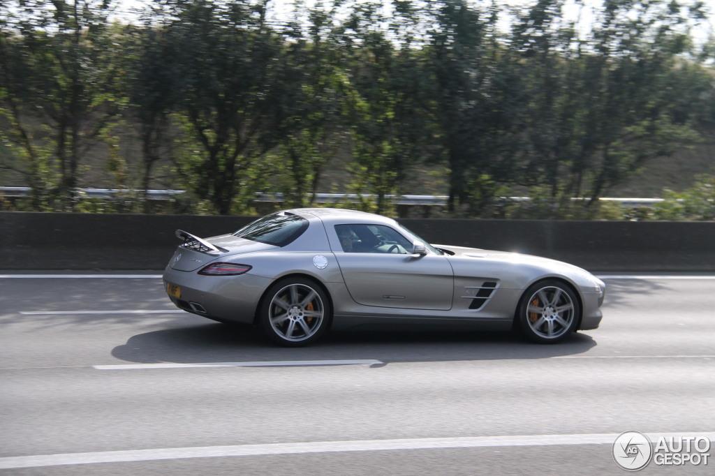 Mercedes-Benz SLS AMG 7