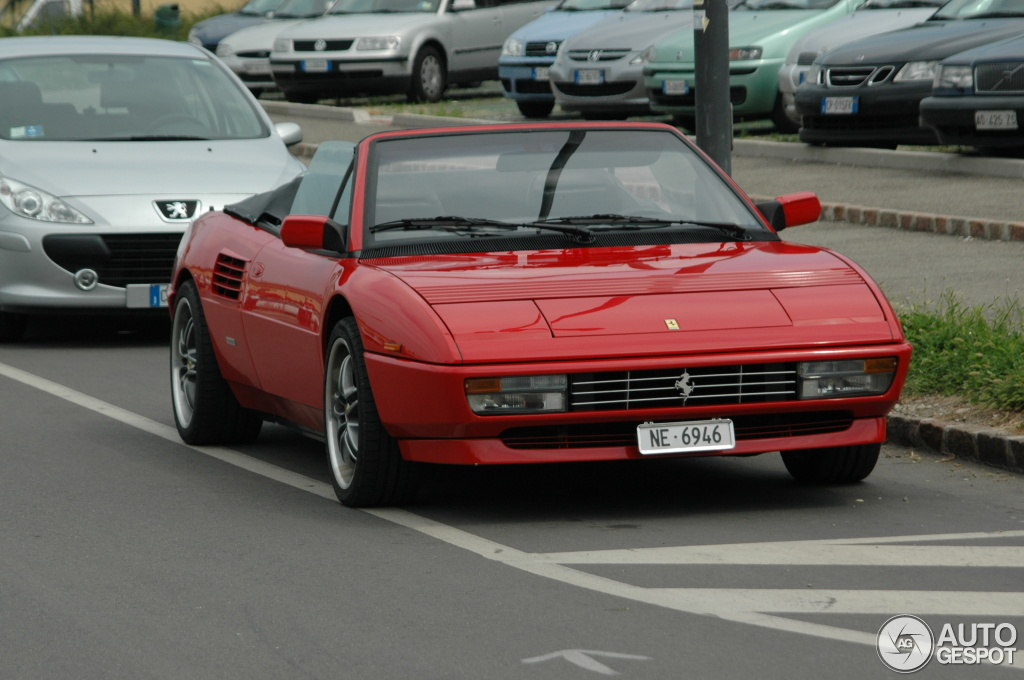 ferrari mondial 3 2 cabriolet 22 settembre 2012 autogespot. Black Bedroom Furniture Sets. Home Design Ideas