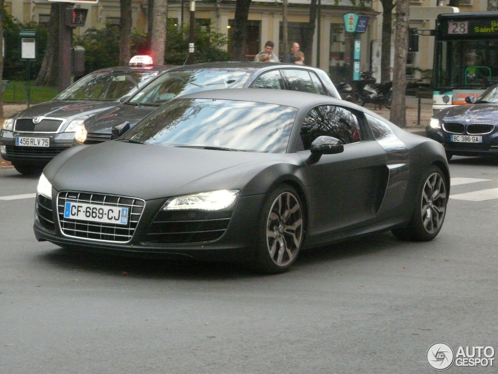 audi r8 v10 4 octobre 2012 autogespot. Black Bedroom Furniture Sets. Home Design Ideas