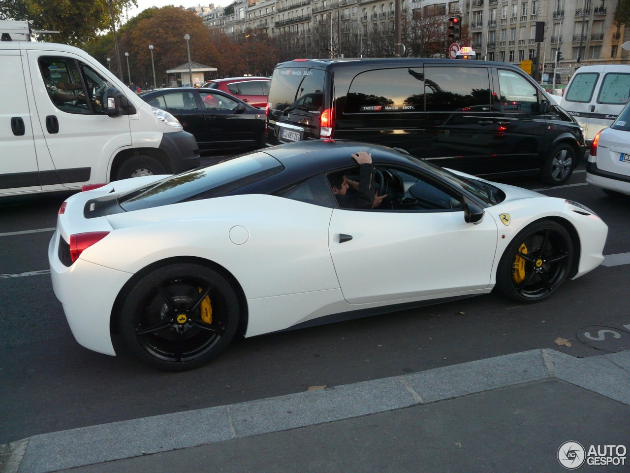 ferrari 458 italia 5 novembre 2012 autogespot. Black Bedroom Furniture Sets. Home Design Ideas