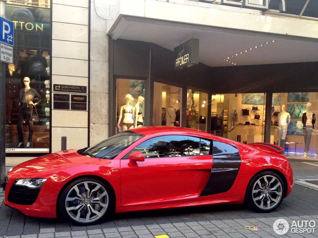 audi r8 v10 8 november 2012 autogespot. Black Bedroom Furniture Sets. Home Design Ideas