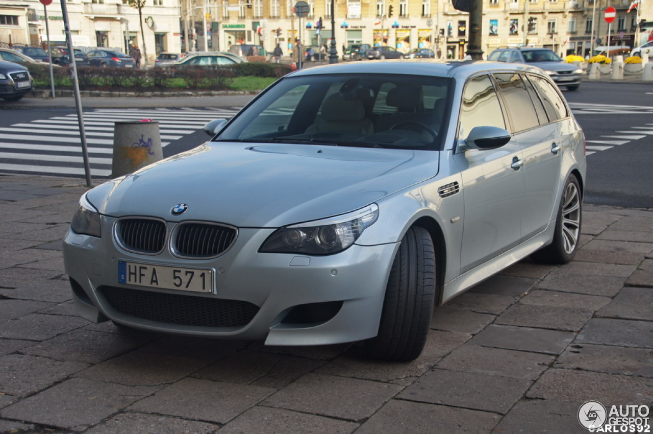 bmw m5 e61 touring 10 listopad 2012 autogespot. Black Bedroom Furniture Sets. Home Design Ideas