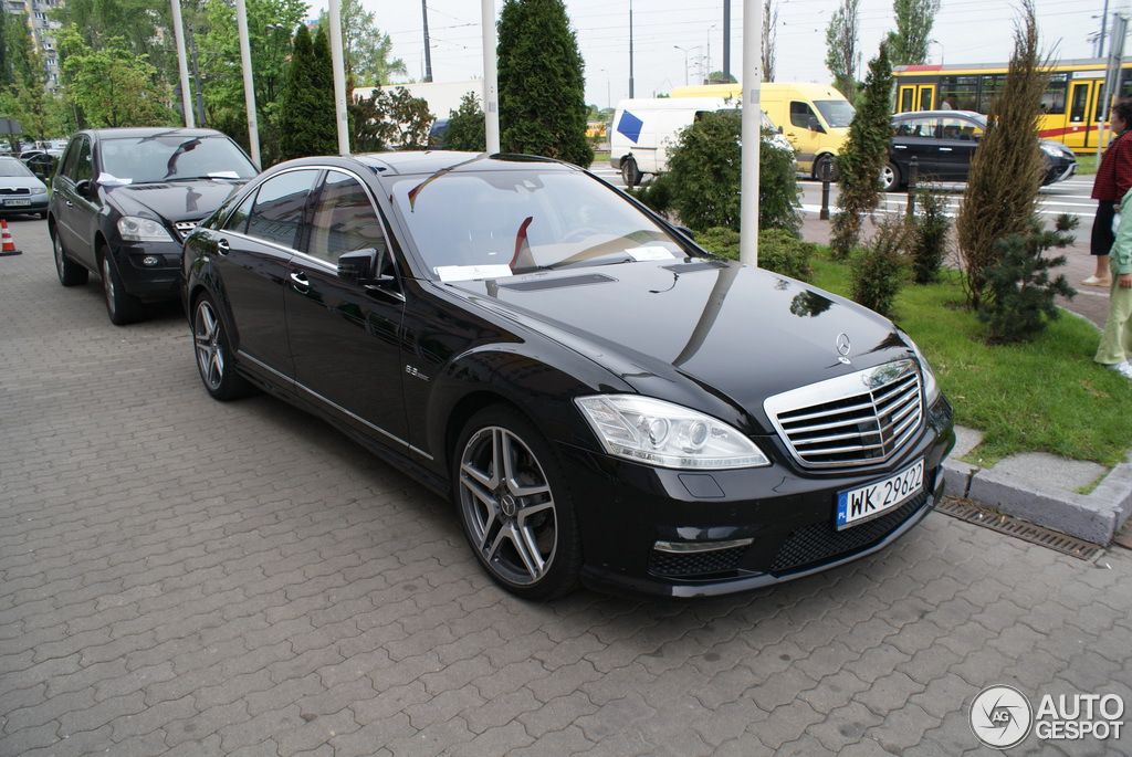 Mercedes benz s 63 amg w221 2010 10 november 2012 for Mercedes benz w221 price