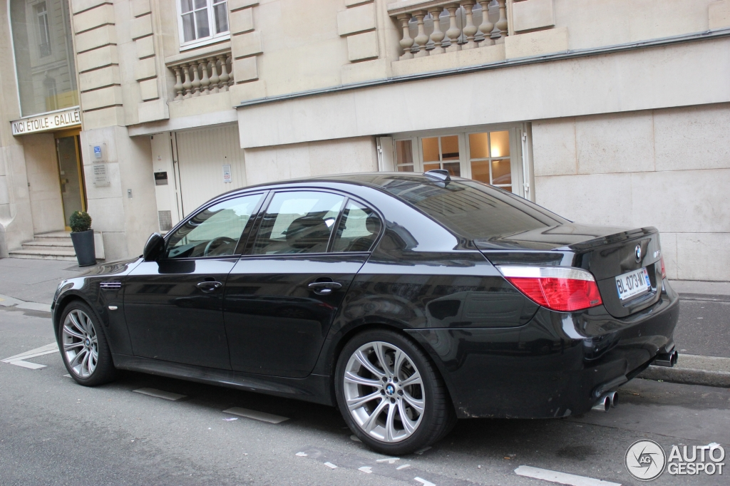 bmw m5 e60 2005 18 november 2012 autogespot. Black Bedroom Furniture Sets. Home Design Ideas