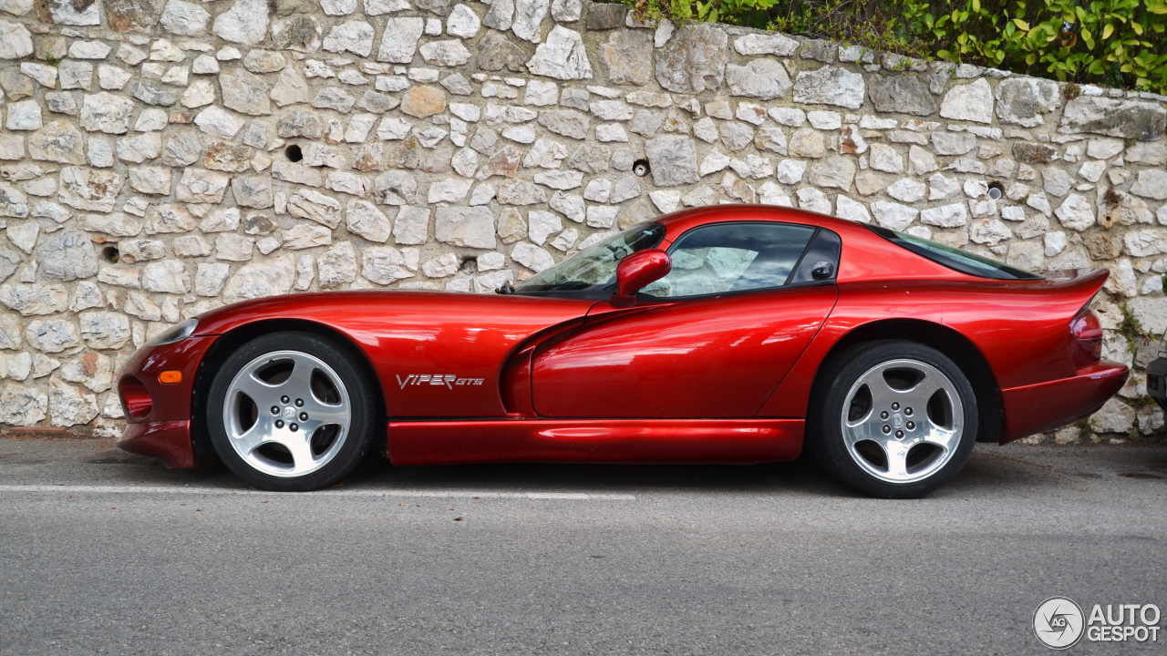 dodge viper gts 25 novembre 2012 autogespot. Black Bedroom Furniture Sets. Home Design Ideas
