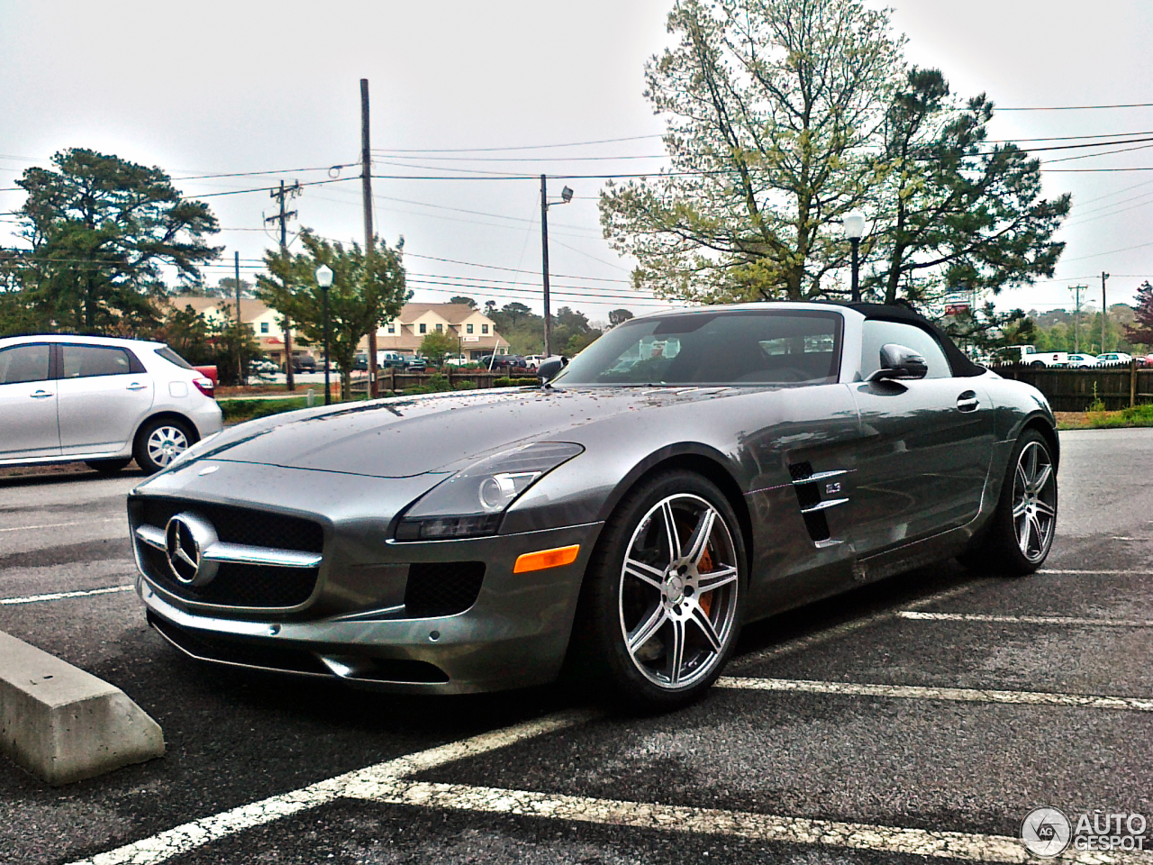 mercedes benz sls amg roadster 26 november 2012 autogespot. Black Bedroom Furniture Sets. Home Design Ideas