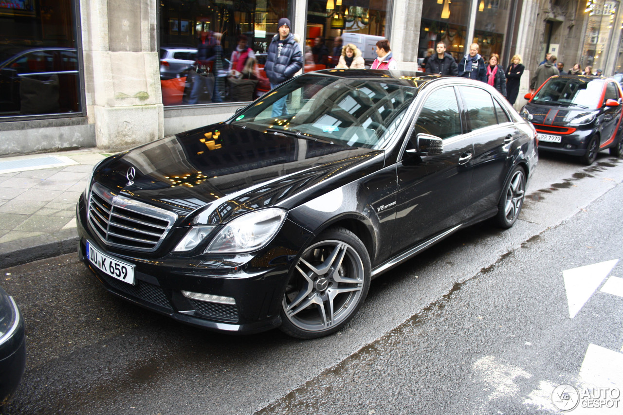 Mercedes benz e 63 amg w212 v8 biturbo 1 december 2012 for Mercedes benz amg v8 biturbo