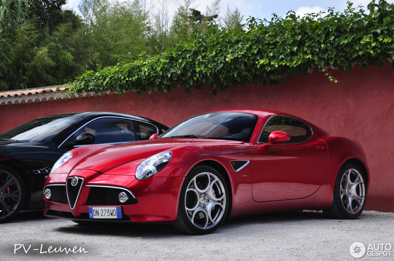 alfa romeo 8c competizione 11 dcembre 2012 autogespot. Black Bedroom Furniture Sets. Home Design Ideas