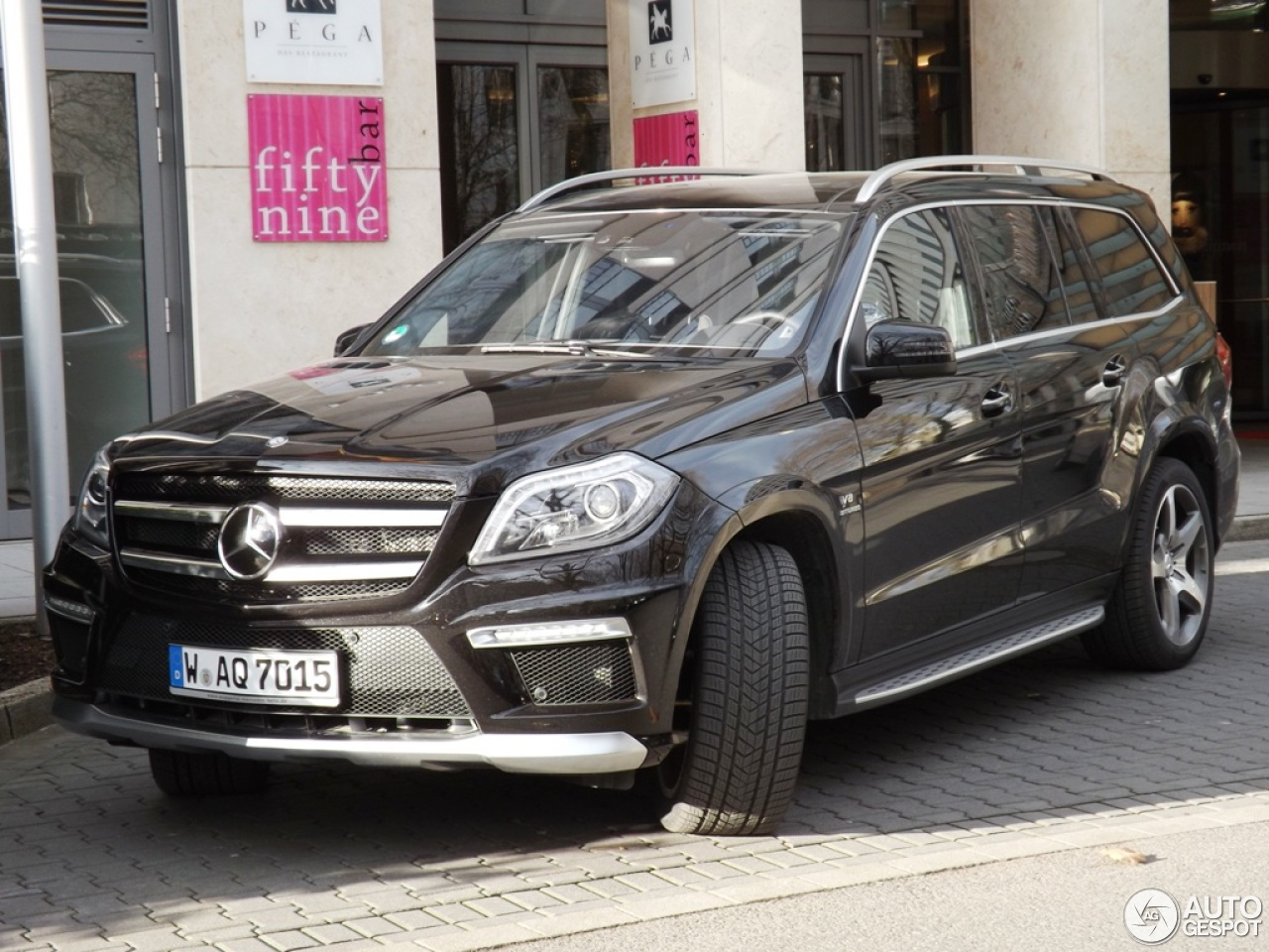 Mercedes benz gl 63 amg x166 14 december 2012 autogespot for Mercedes benz gls 63 amg