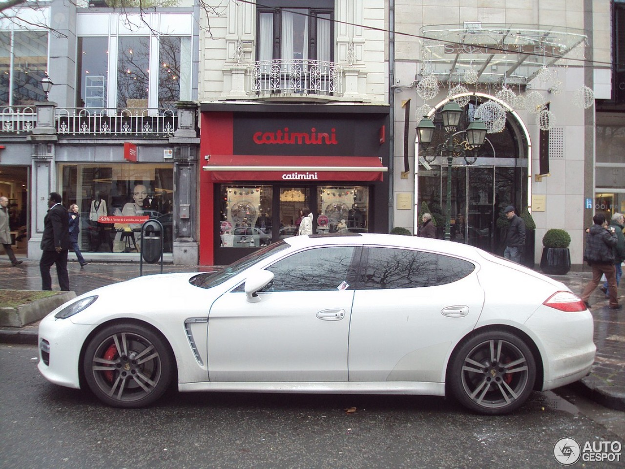 porsche panamera turbo s 21 december 2012 autogespot. Black Bedroom Furniture Sets. Home Design Ideas