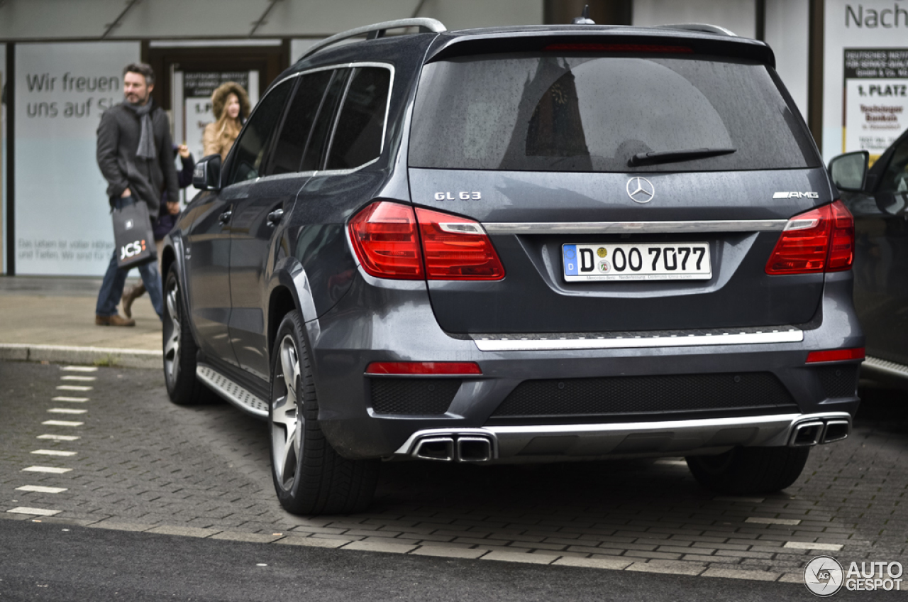 Mercedes benz gl 63 amg x166 28 dezember 2012 autogespot for Mercedes benz gls 63 amg