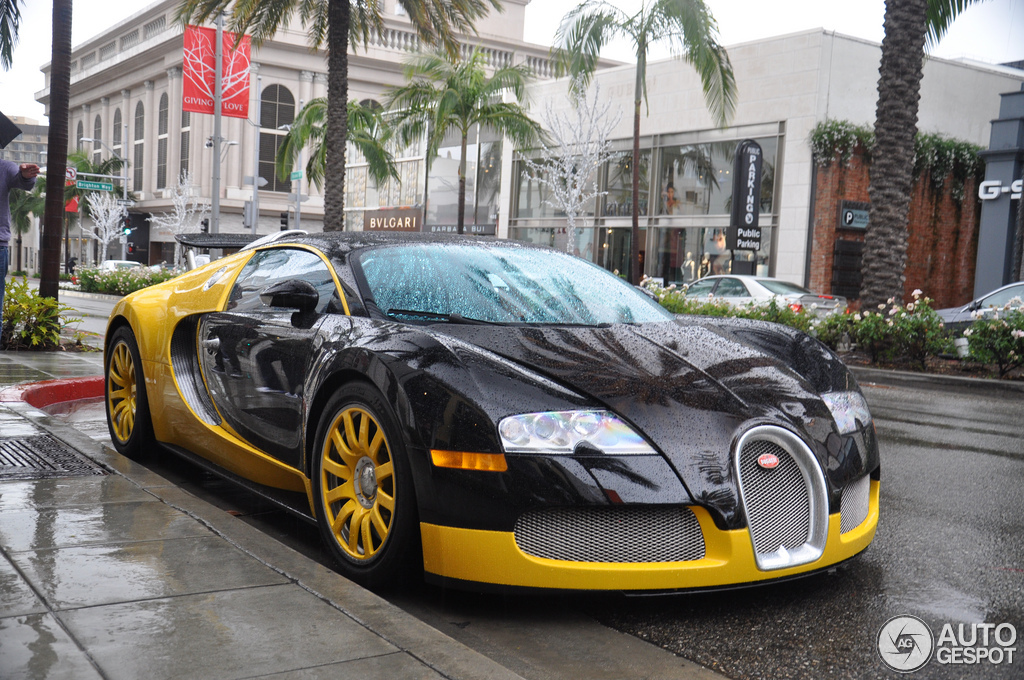 bugatti veyron 16 4 31 december 2012 autogespot. Black Bedroom Furniture Sets. Home Design Ideas