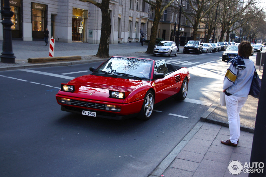 ferrari mondial t cabriolet 3 april 2012 autogespot. Black Bedroom Furniture Sets. Home Design Ideas