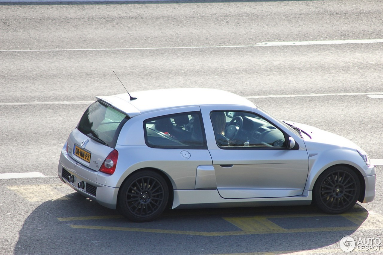 renault clio v6 phase ii 4 april 2012 autogespot. Black Bedroom Furniture Sets. Home Design Ideas