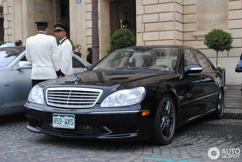 mercedes benz sls amg en venta with 19 on 19 additionally 06 moreover El Nuevo Gla Para Evadirse De Lo Cotidiano also 26 additionally Un Mercedes Benz Que Viaja En El Tiempo.