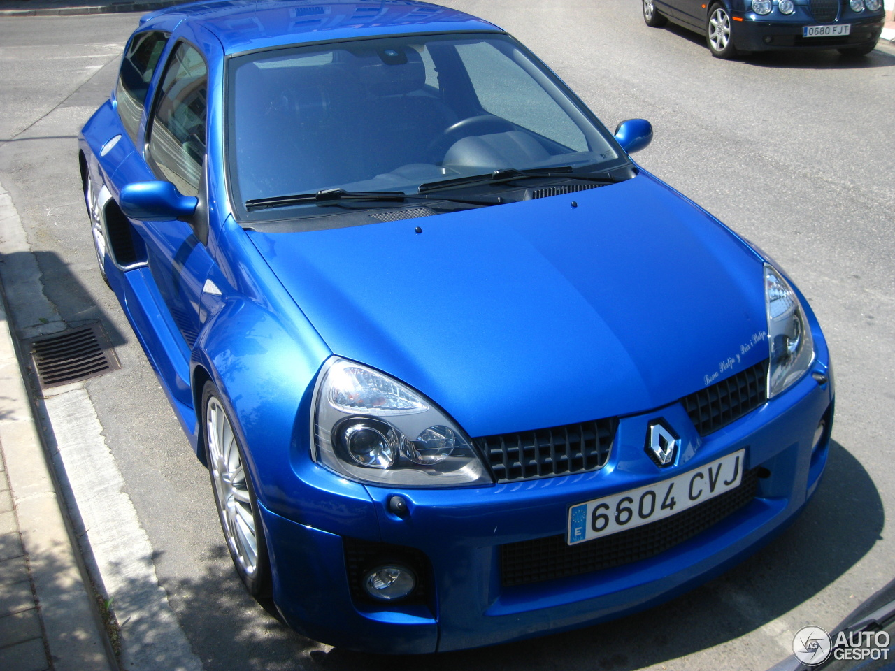 renault clio v6 phase ii 5 july 2012 autogespot. Black Bedroom Furniture Sets. Home Design Ideas